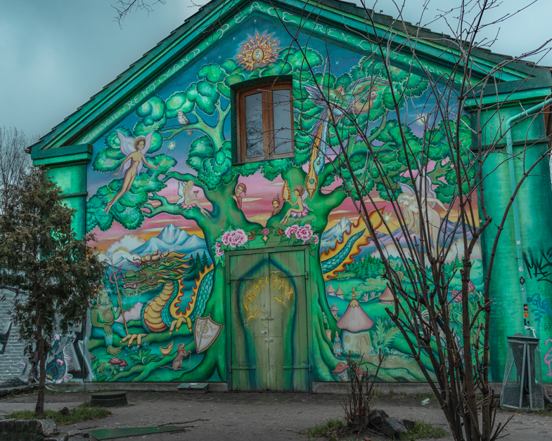 Picture of one of the graffiti houses in Freetown Christiania.