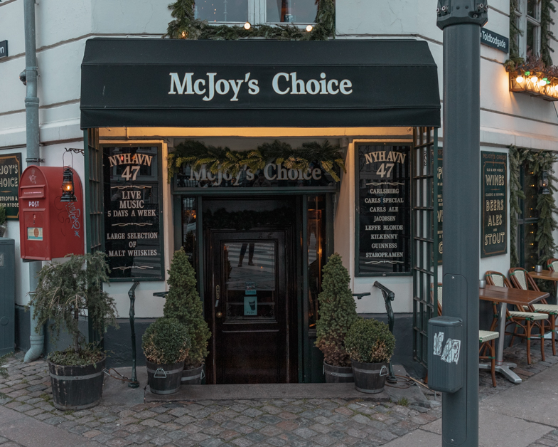 Outside of McJoy's Choice one of the perfect spots to visit when spending one day in Copenhagen.