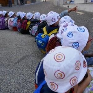 Alignée de chapeaux