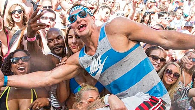 rob-gronkowski-party-rs