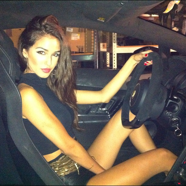 JetsetBabes loves driving the car