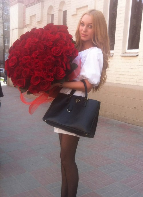 Jetset Babes Love to recieve flowers!