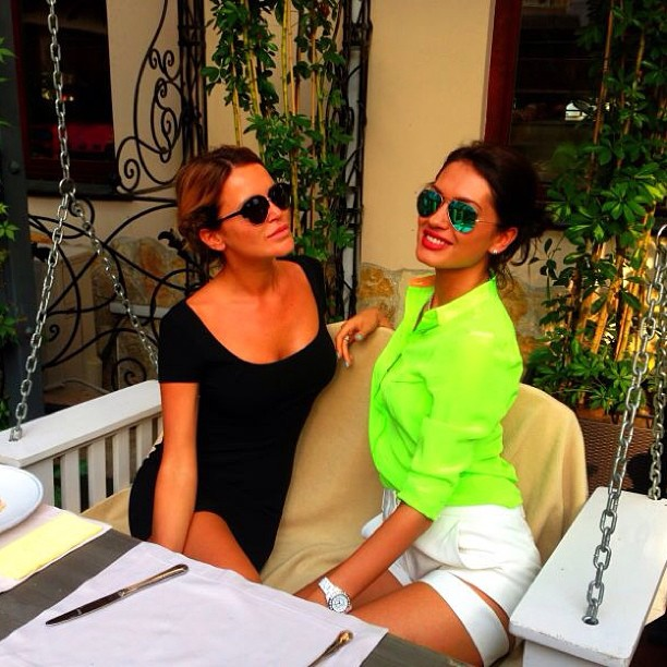 Summer & Travel Girls