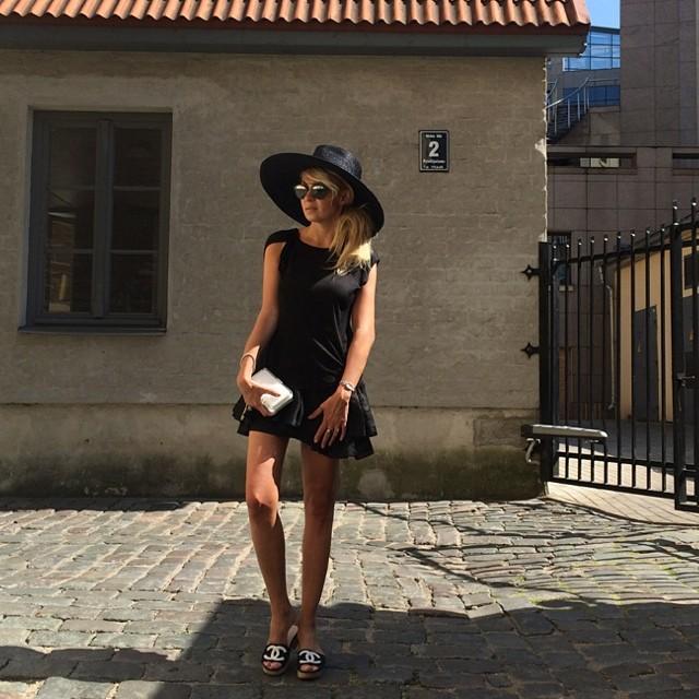 Chanel Black & White Fashion