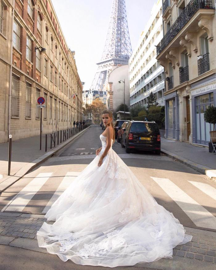 Why Rich Handsome Men Marry Plain Women