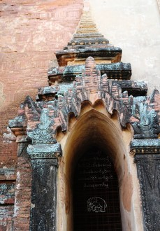 Biking in Bagan Temple hopping 15