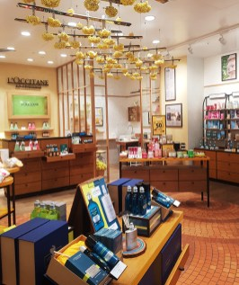 Meadowhall shopping review 33