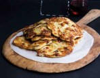 Bramboráky: Czech potato pancake sare made of grated potatoes with egg, breadcrumbs or flour and seasoning (salt, pepper, most importantly garlic and marjoram). YUM! (Photo credit: Recepty do 30,- Kč)