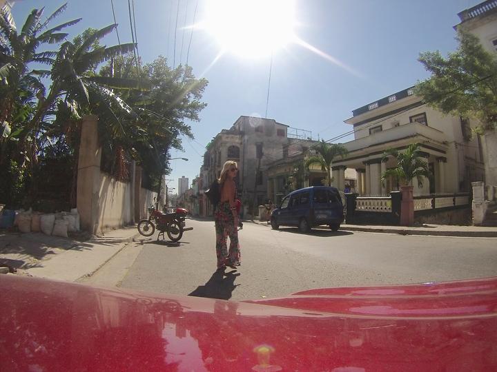Cuba j walking