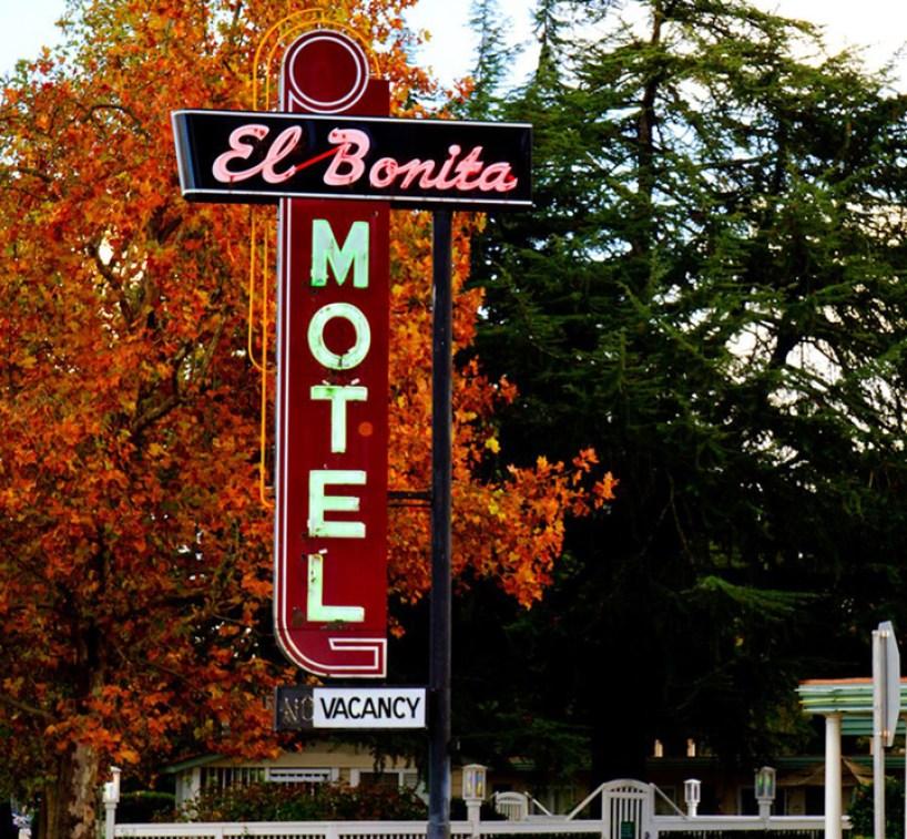 Facebook El Bonita Motel St Helena