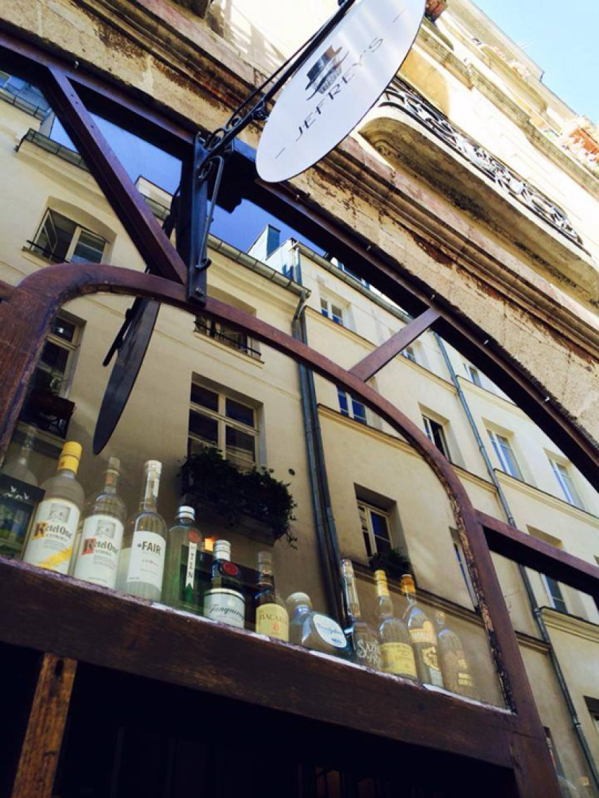 Facebook Jefrey's bar Paris