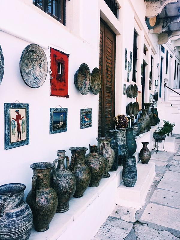 Naxos souvenir pottery