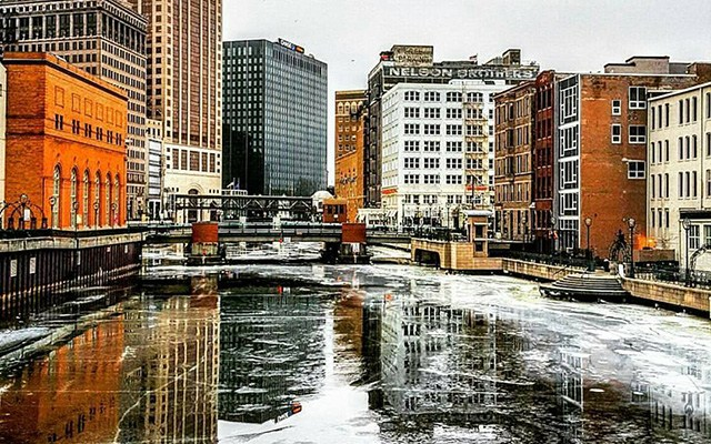 VISIT Milwaukee