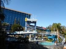 Disneyland Hotel Monorail Pool View - Bm Jetsettingben