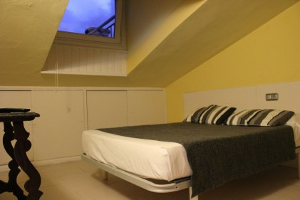 Double Bedroom in Attic Apartment in Hotel San Nikolas Hondarribia, Spain