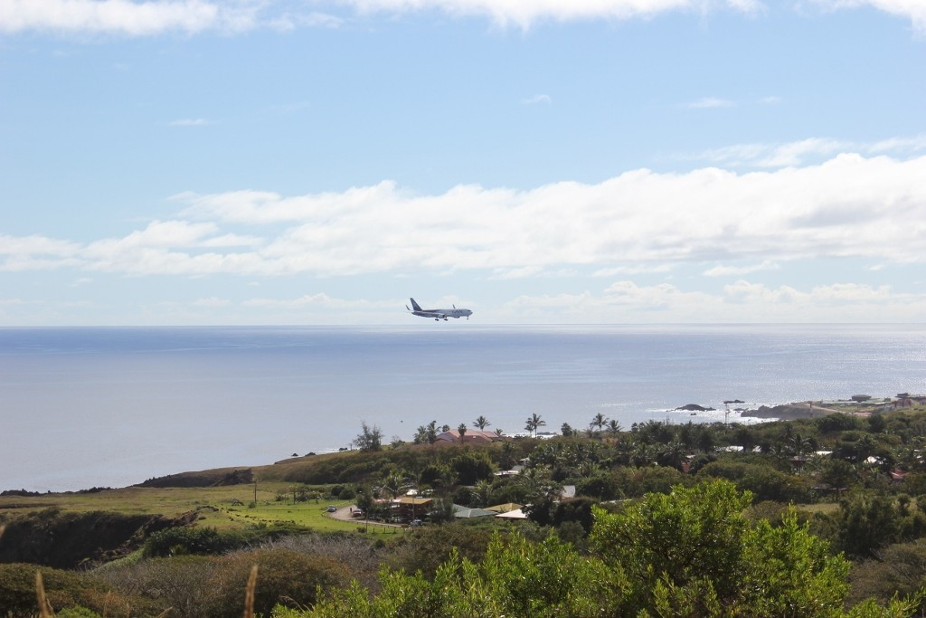 LAN landing at Easter Island