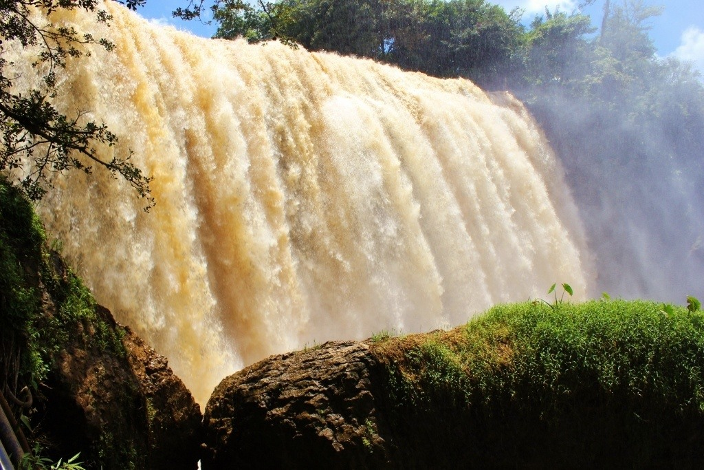 Water thundered over the edge at Elephant Waterfall