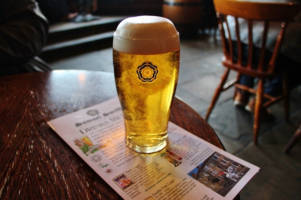 Thames River Pub Crawl #6: The Captain Kidd is a Samuel Smiths pub serving excellent pints of their signature lager, Taddy Lager.