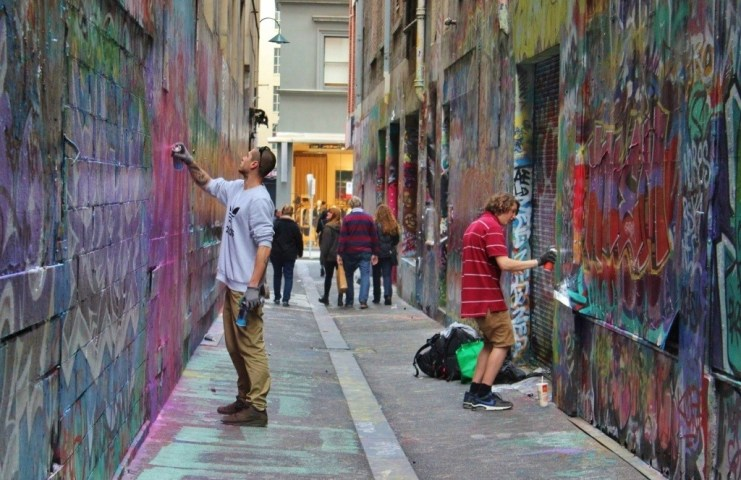 Laneways Street Artists at work on Union Lane.