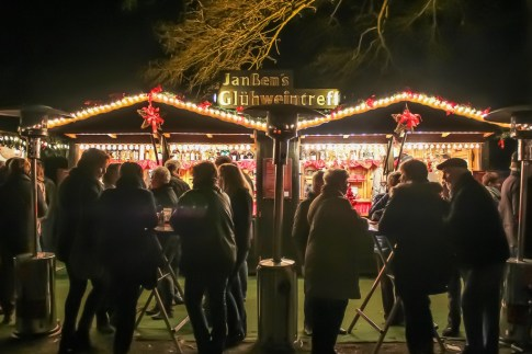 Market booths at Klever Christmas Market