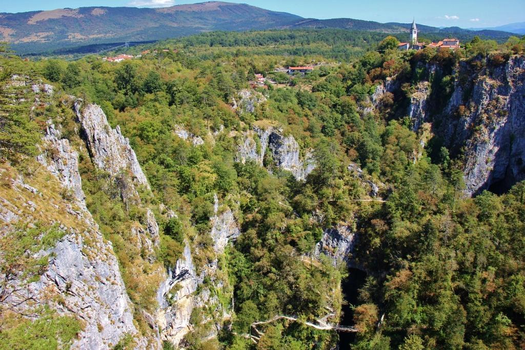 stefanija-viewpoint-over-doline-skockjan-caves-slovenia