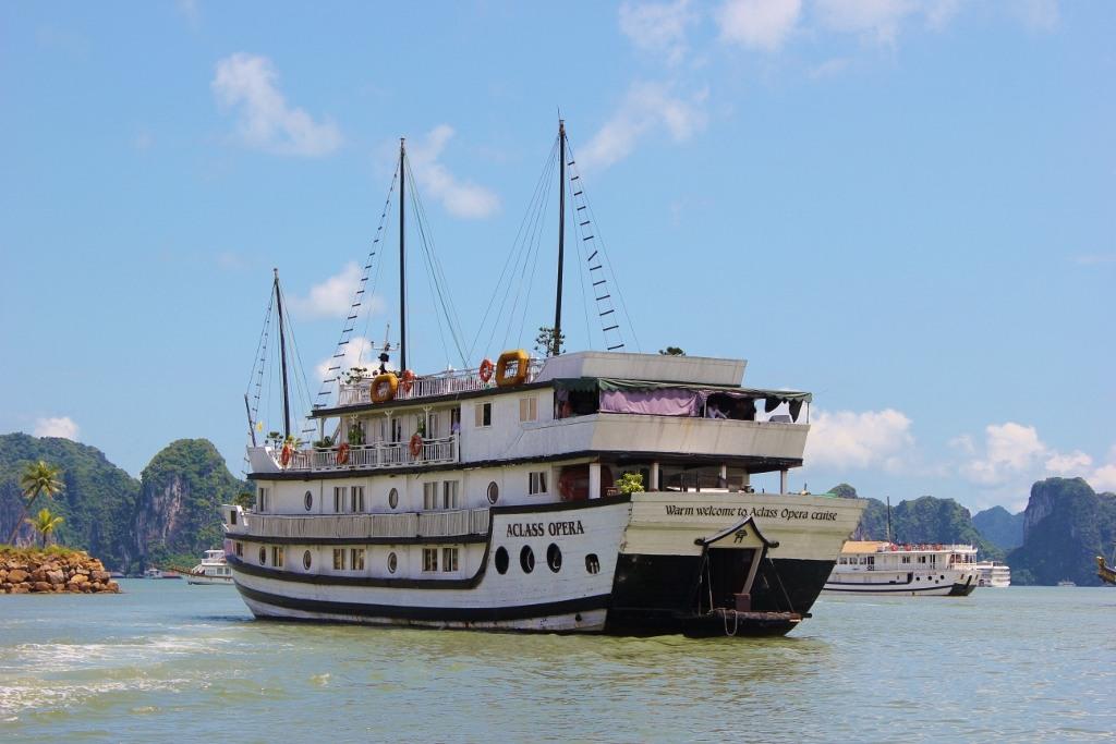 AClass Opera, junk boat, 2-night Halong Bay Cruise