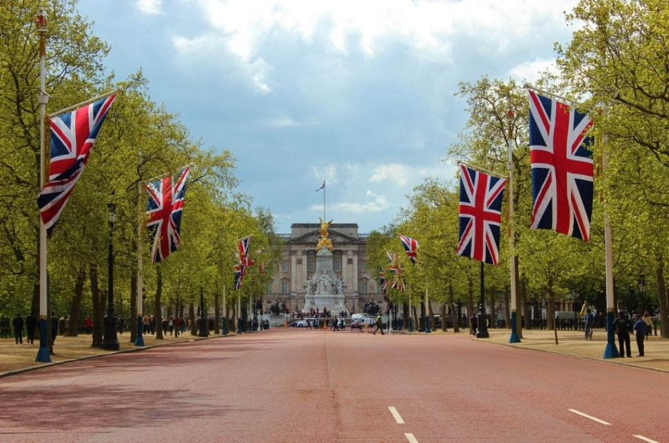 The Mall between Trafalgar Square and Buckingham Palace in London, England, jetsettingfools.com