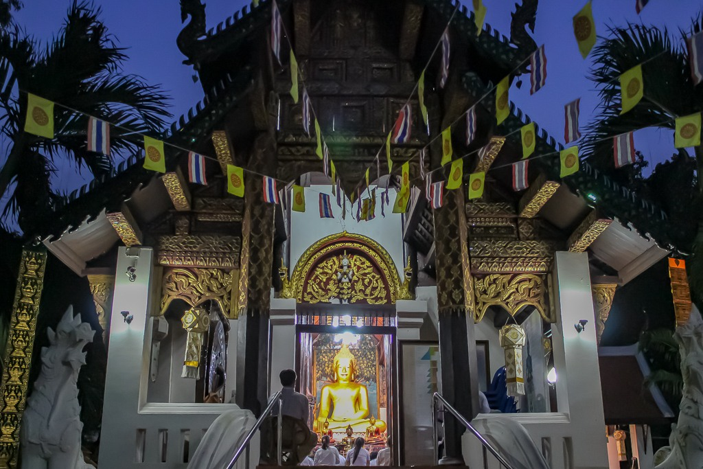 Nightly chanting at temple in Chiang Mai, Thailand