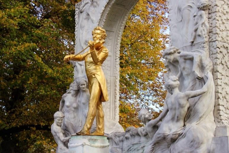 Golden Johann Strauss Monument in Stadtpark in Vienna, Austria