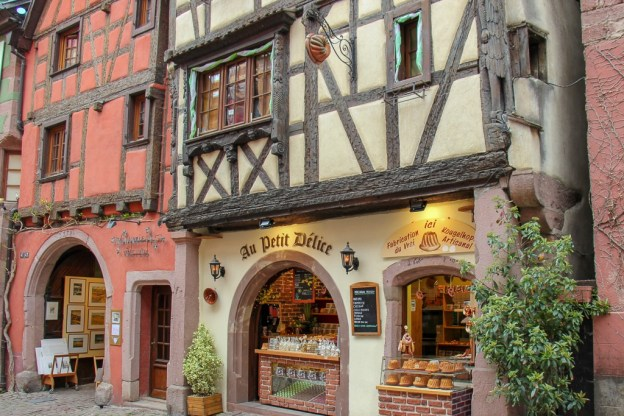 Au Petite Delice macaroon shop in Riquewihr, France