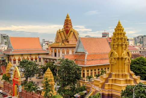 Colorful Wat Ounalom temple in Phnom Penh, Cambodia