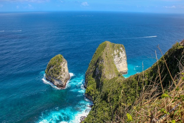 T-Rex land formation at Kelingking Beach, Nusa Penida, Bali, Indonesia