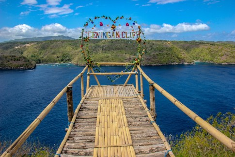 Bamboo platform viewpoint at Ceningan Cliffs Restaurant on Nusa Ceningan, Bali, Indonesia