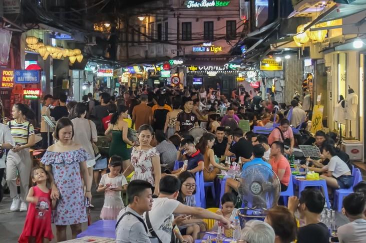 Busy Hia Hoi Beer Corner in Hanoi, Vietnam
