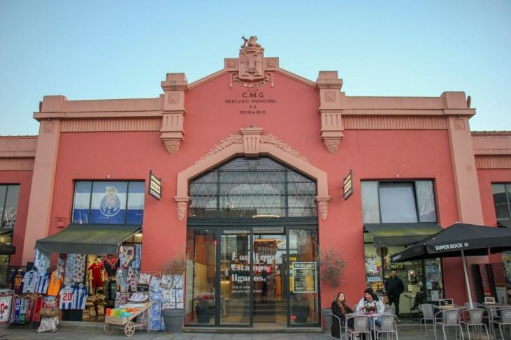 Outisde Mercado Municipal de Gaia, Portugal