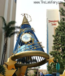 Cozy Disneyland Hotel #disneysmmoms