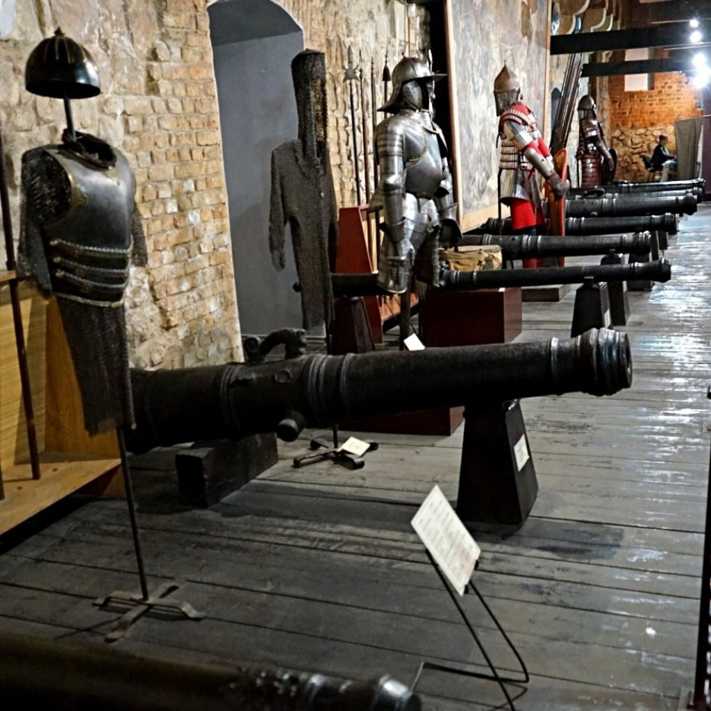 Cannons and armors at the Arsenal