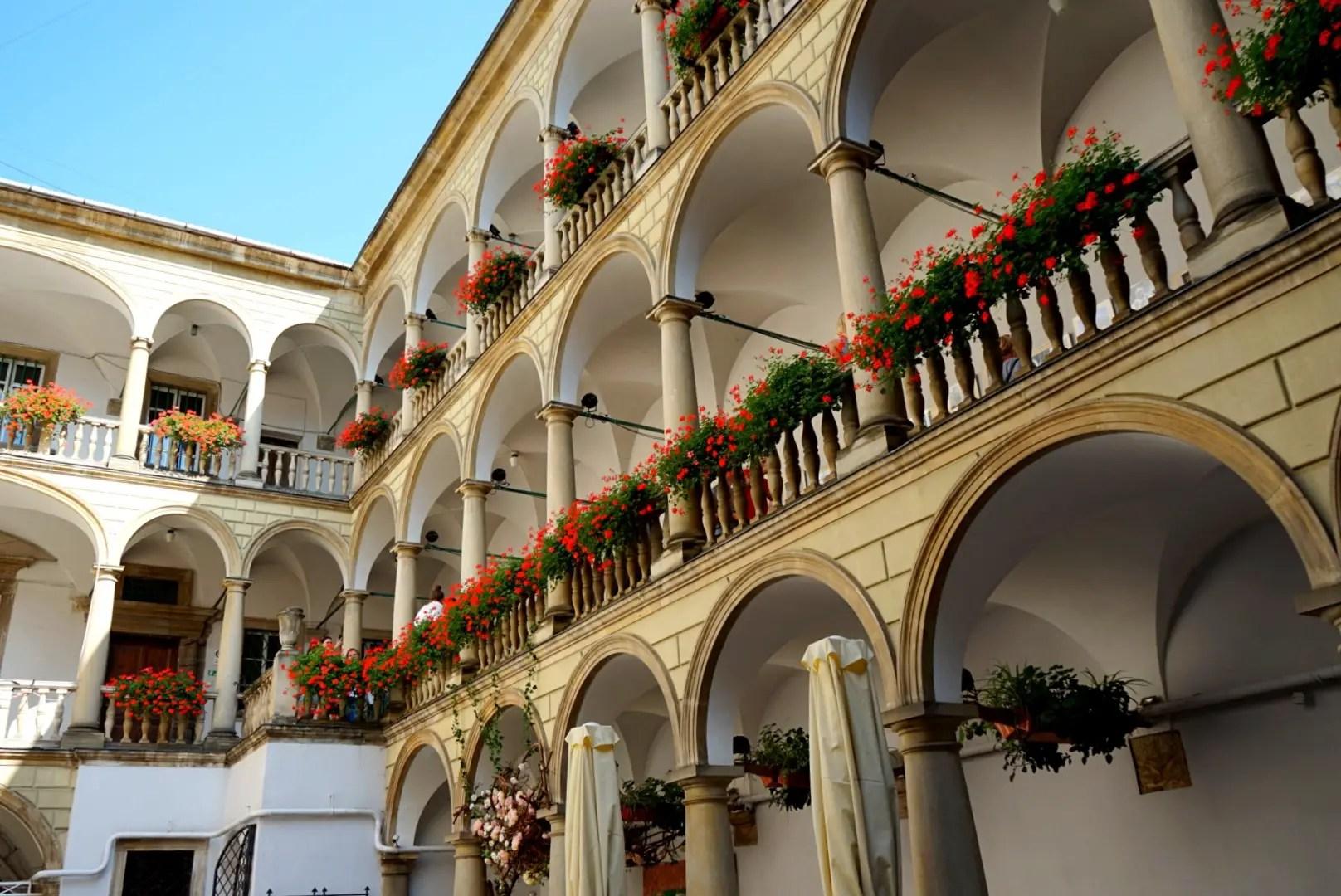 Italian courtyard - Lviv museum
