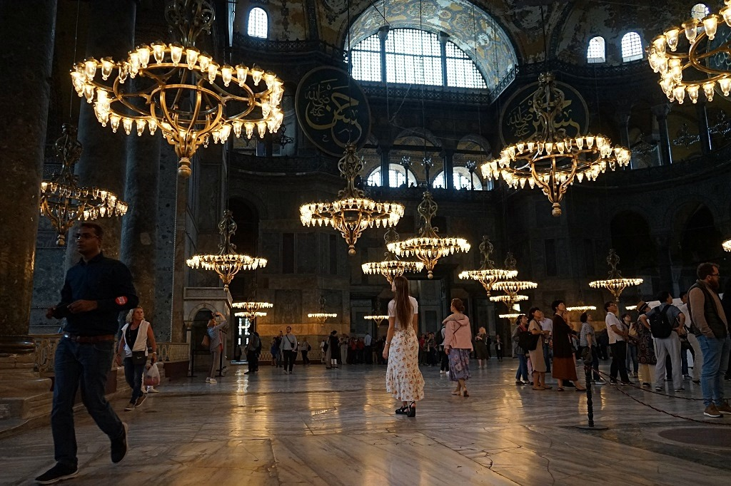 Things to do in Istanbul: Hagia Sophia inside