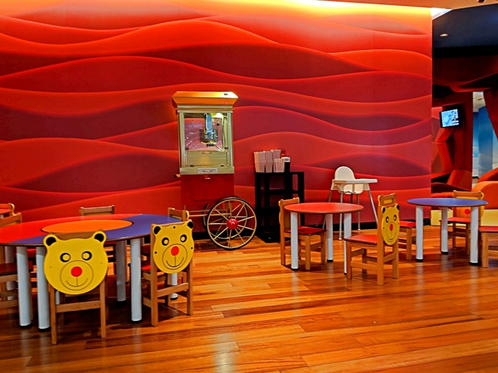 Istanbul Airport Lounge Review. Kids section