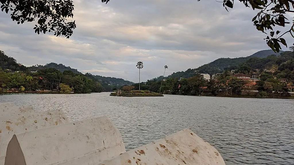 Visit Kandy lake