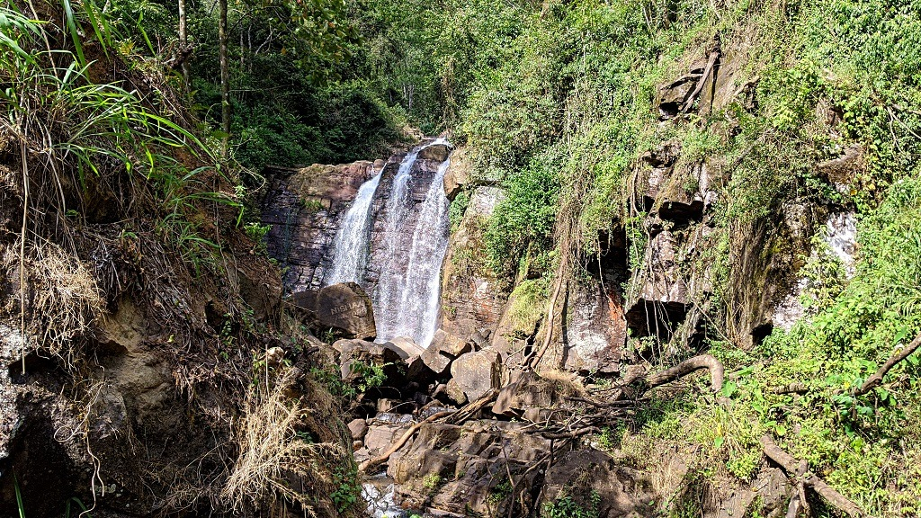 Nuwara Eliya waterfall