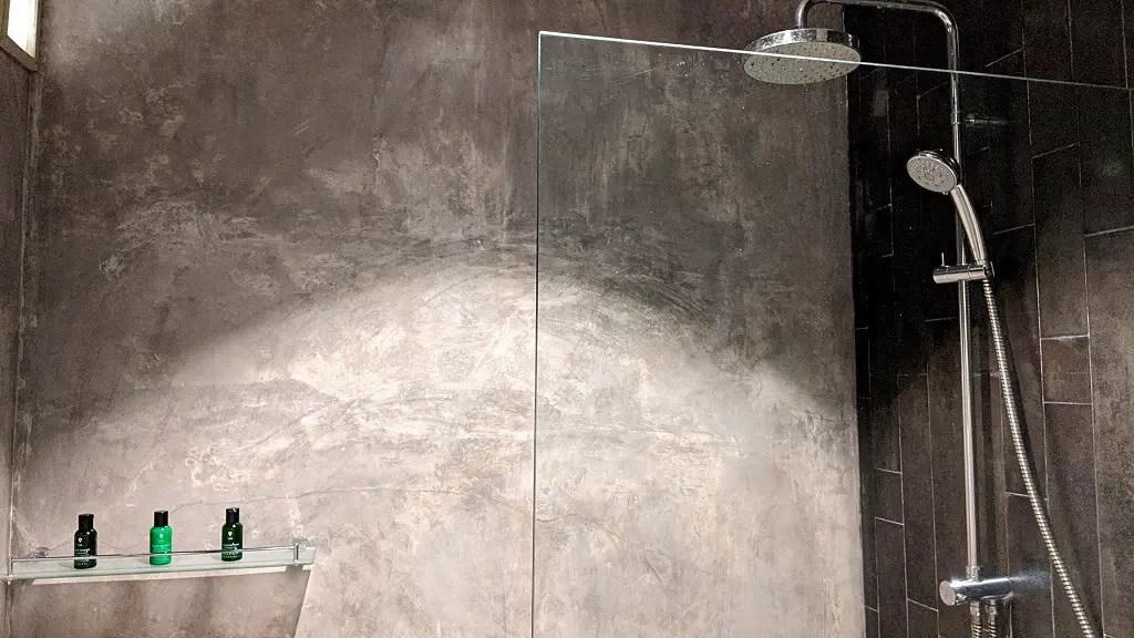 The Bartizan hotel: bathroom