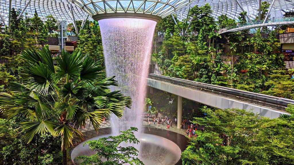 explore-the-jewel-changi-airport