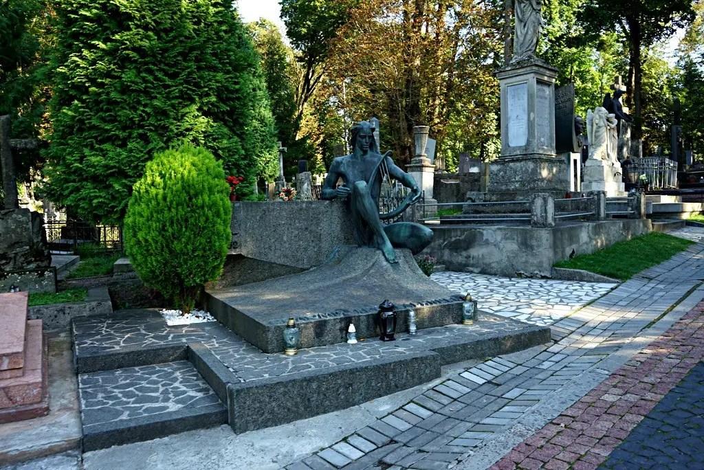 Lviv cemetery