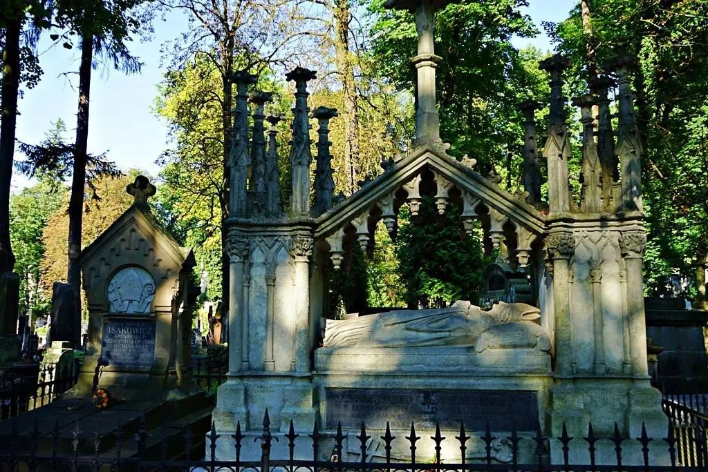 Prist grave