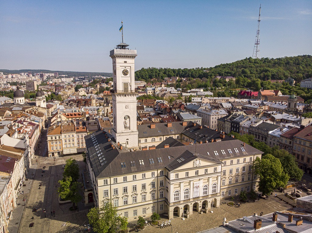 how-to-visit-lviv-town-hall-ratusha
