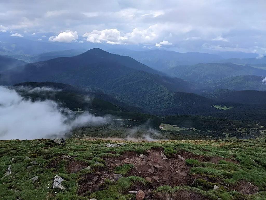 hiking-hoverla