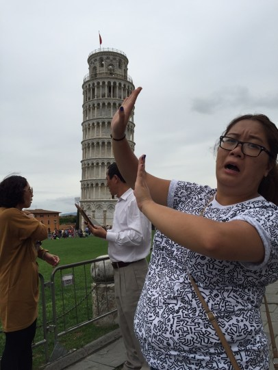 LEANING TOWER OF PISA TOURIST POSE
