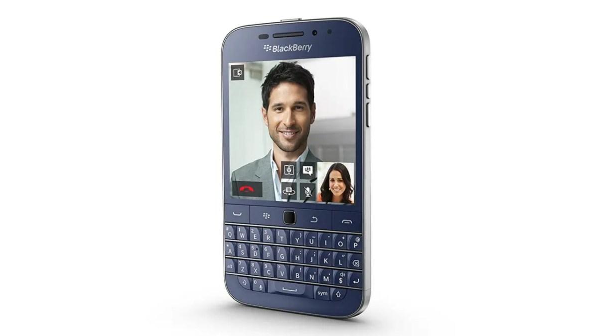 """超希少な「BlackBerry Classic」""""ブルー""""、$50値上げ"""